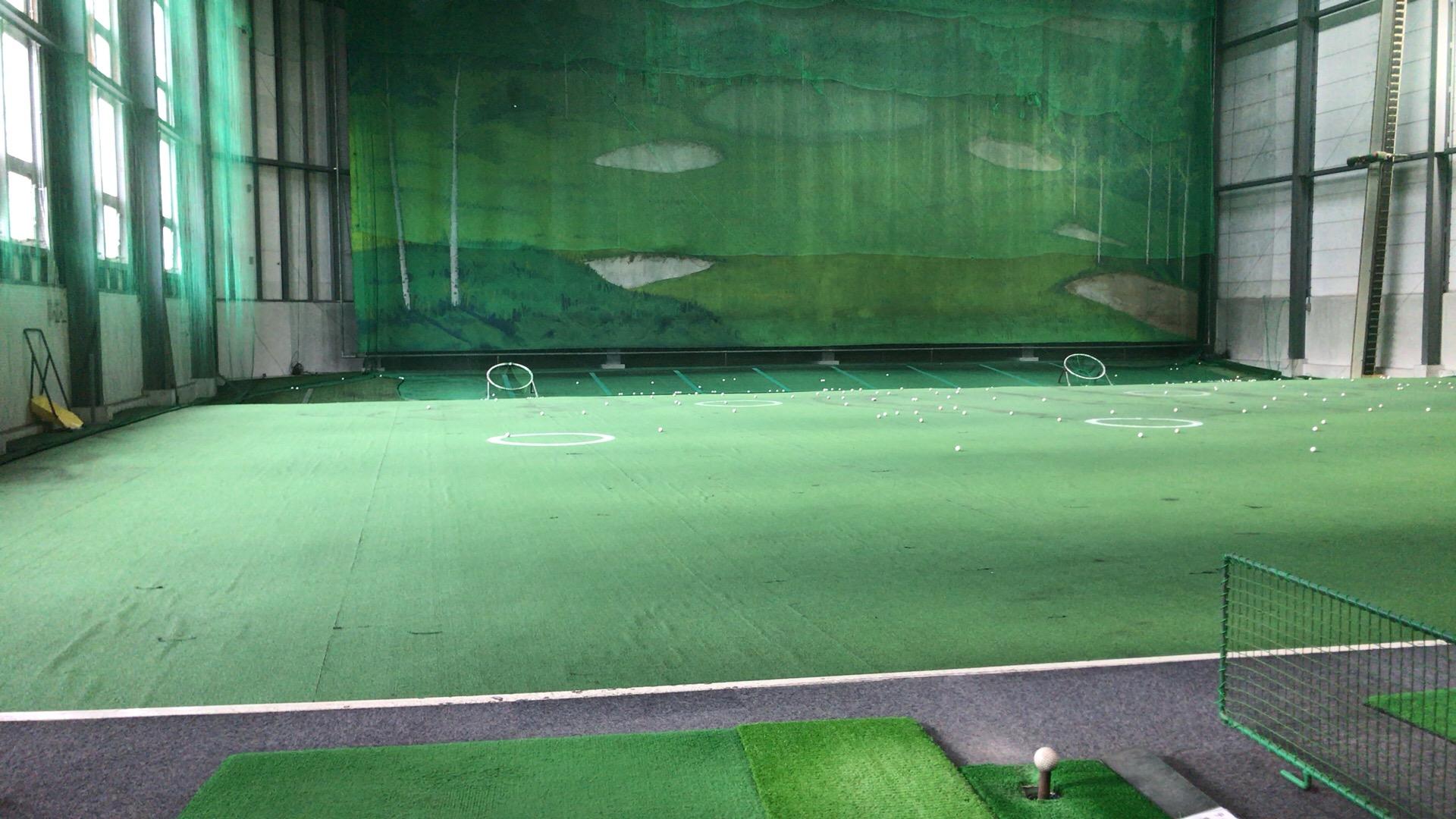 スイング改造中 腰の右横でボールを打つ