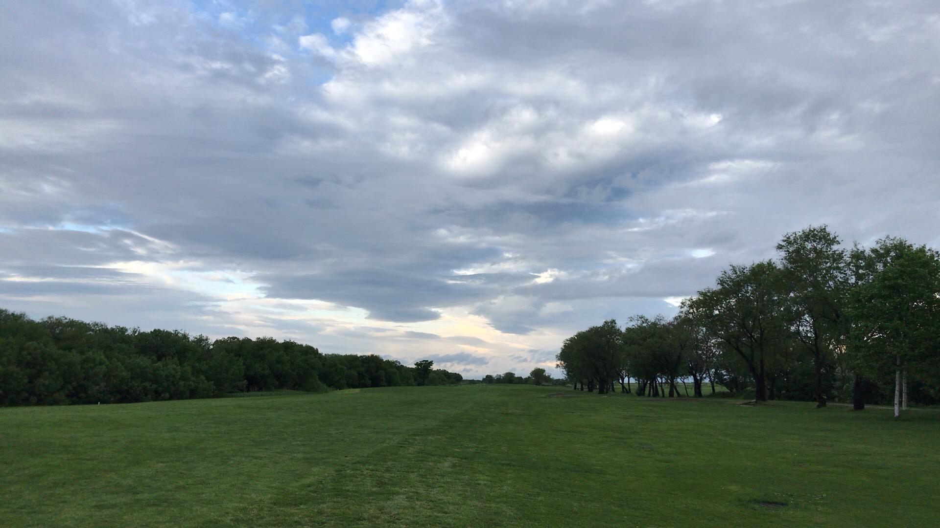 ニューしのつゴルフ場で雨上がり早朝ラウンド