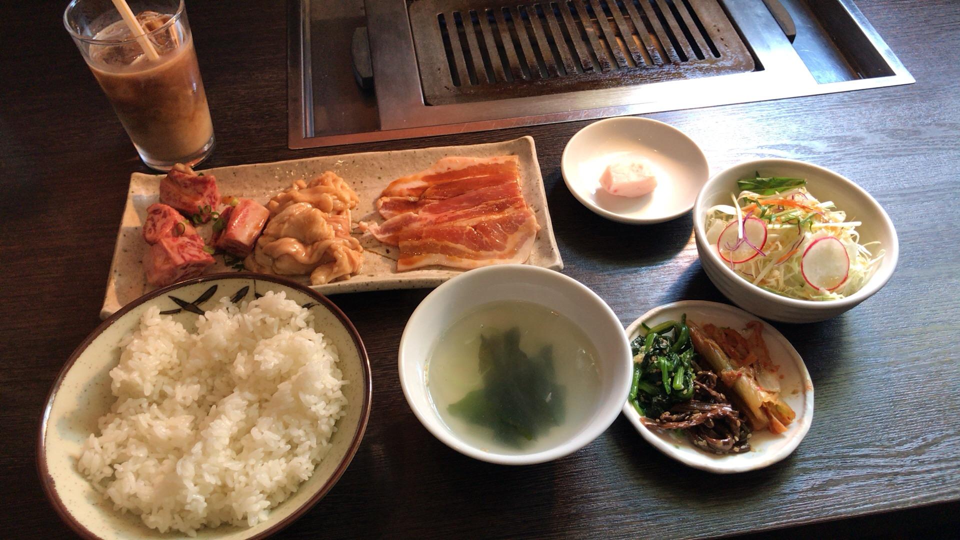 札幌・中央区 焼肉と料理 シルクロード